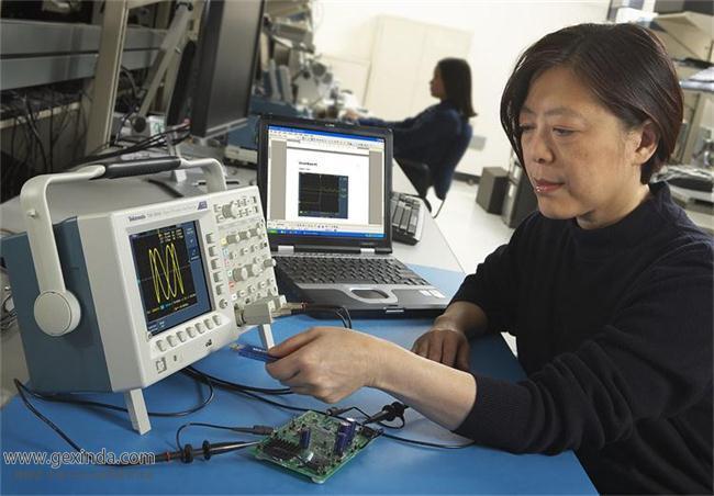 TDS3014C 数字示波器